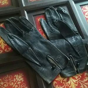 Vintage Accessories - Vintage Italian Leather ladies gloves